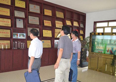 济阳分局徐科长一行来华北平台公司检查指导有关评问题