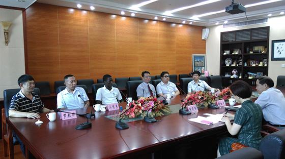 贝宁共和国阿波罗市长林卫平莅临华北平台公司检查指导